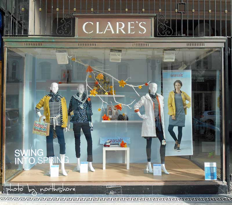 Fashion retail window displays 4